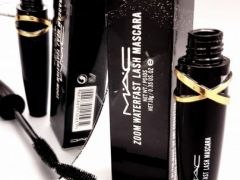 Zoom Waterfast Lash Mascara